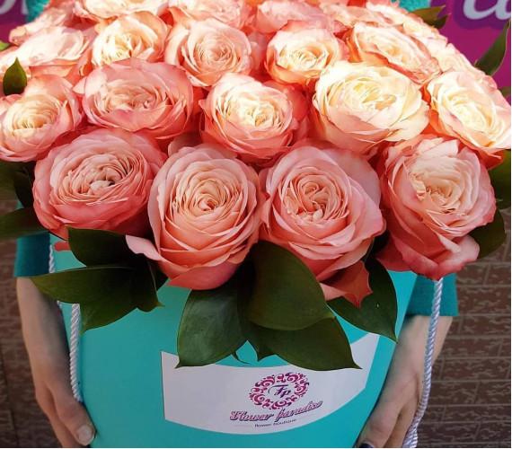 Коробка из пионовидной розы
